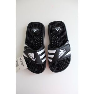 • ADIDAS KIDS SLIP ON BLACK SANDAL SZ 13 •
